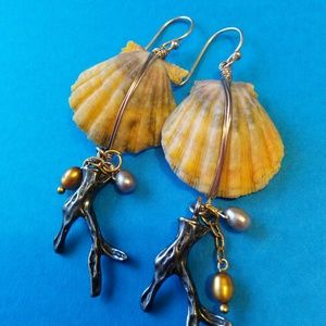 Jewelry - Hawaiian Sunrise Shell Earrings